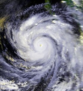 Ouragan Linda de 1997près son maximum d'intensité